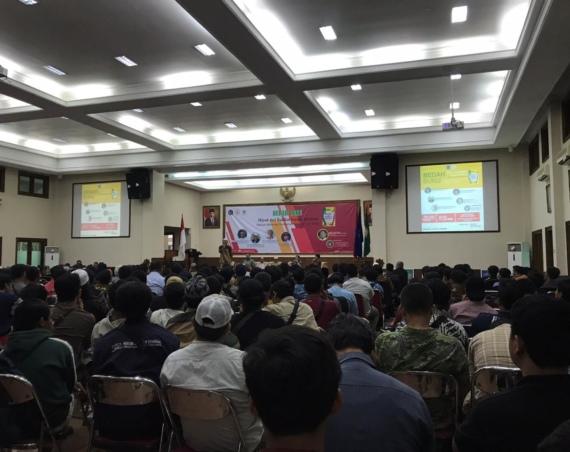 Moderat Artinya Sikap Teguh Memegang Islam